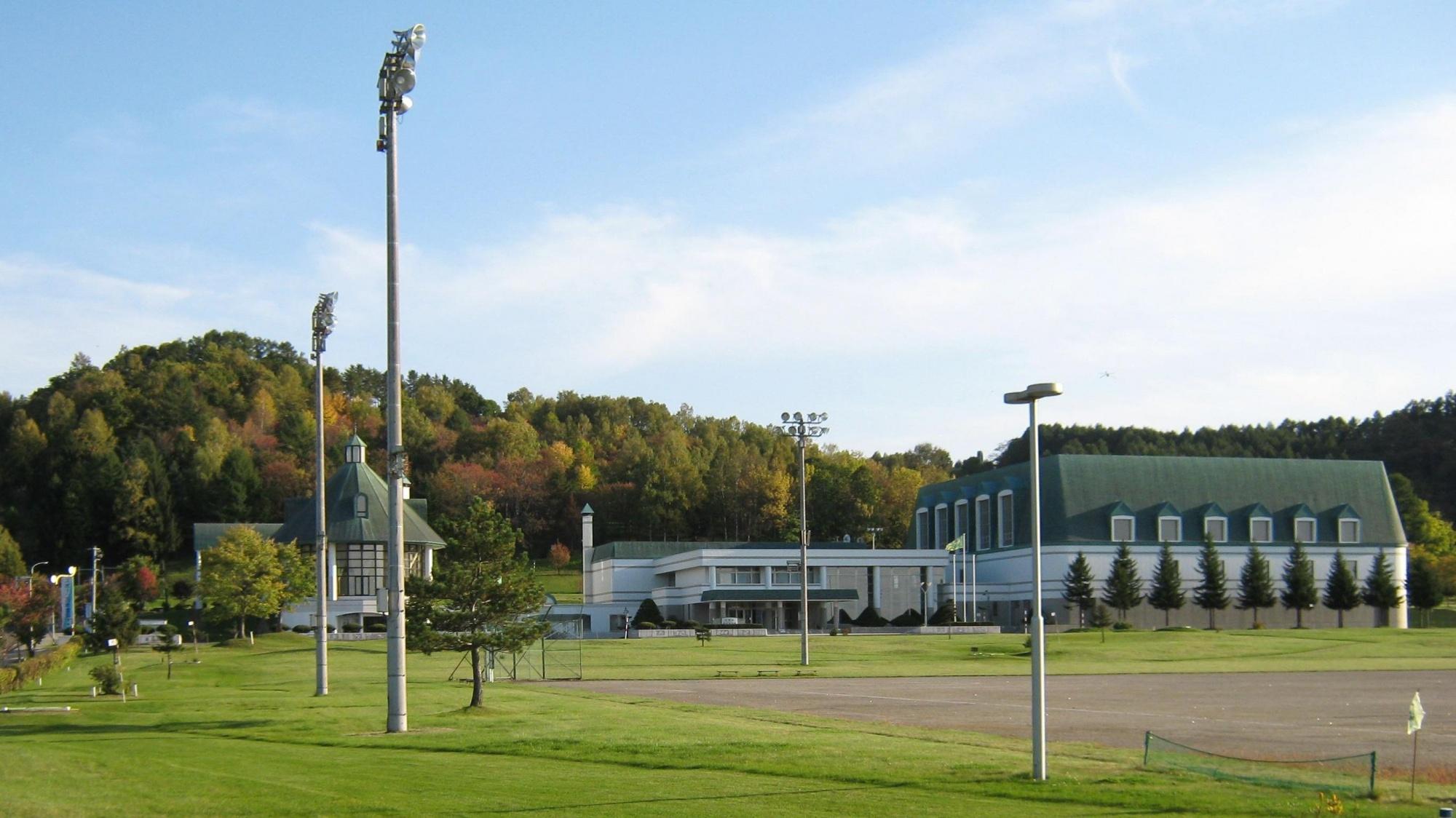 平成24 年に創立60周年を迎え、今後も 町内各種スポーツ事業を ...